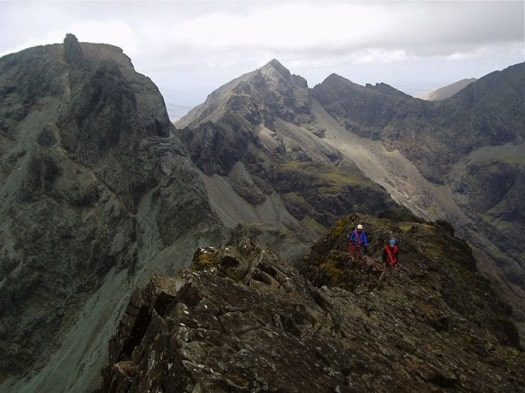 SCRAMBLING IN THE CUILLIN MOUNTAINS ON THE ISLE OF SKYE, SCOTLAND